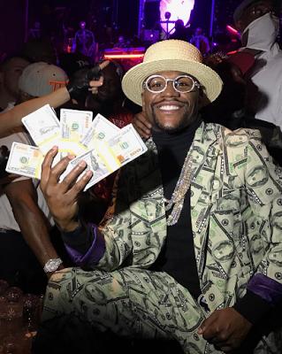The money man Floyd Mayweather poses as himself on Halloween