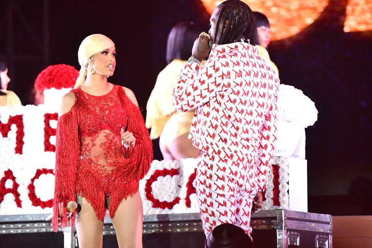 Offset interrupts Cardi B's on stage at music festival begs her to take him back (video)