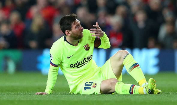 """Barcelona 1-0 Manchester United: Lionel messi suffered a """"broken nose"""" and swollen eye"""