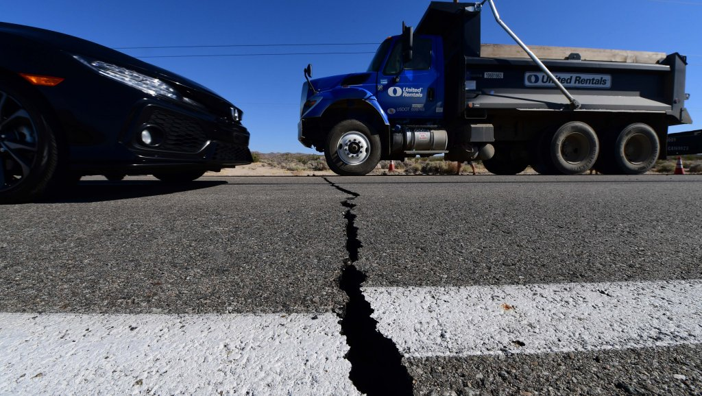 6.4 magnitude earthquake Biggest in years rattles Southern California