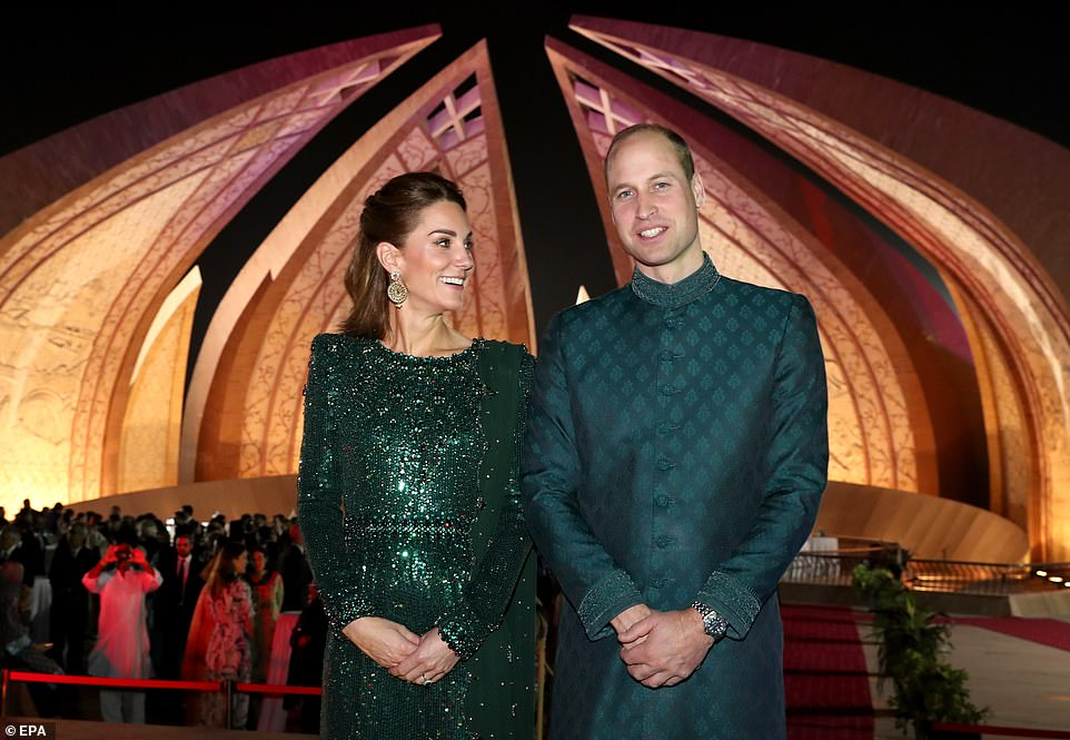 ,Kate Middleton and prince williams 22