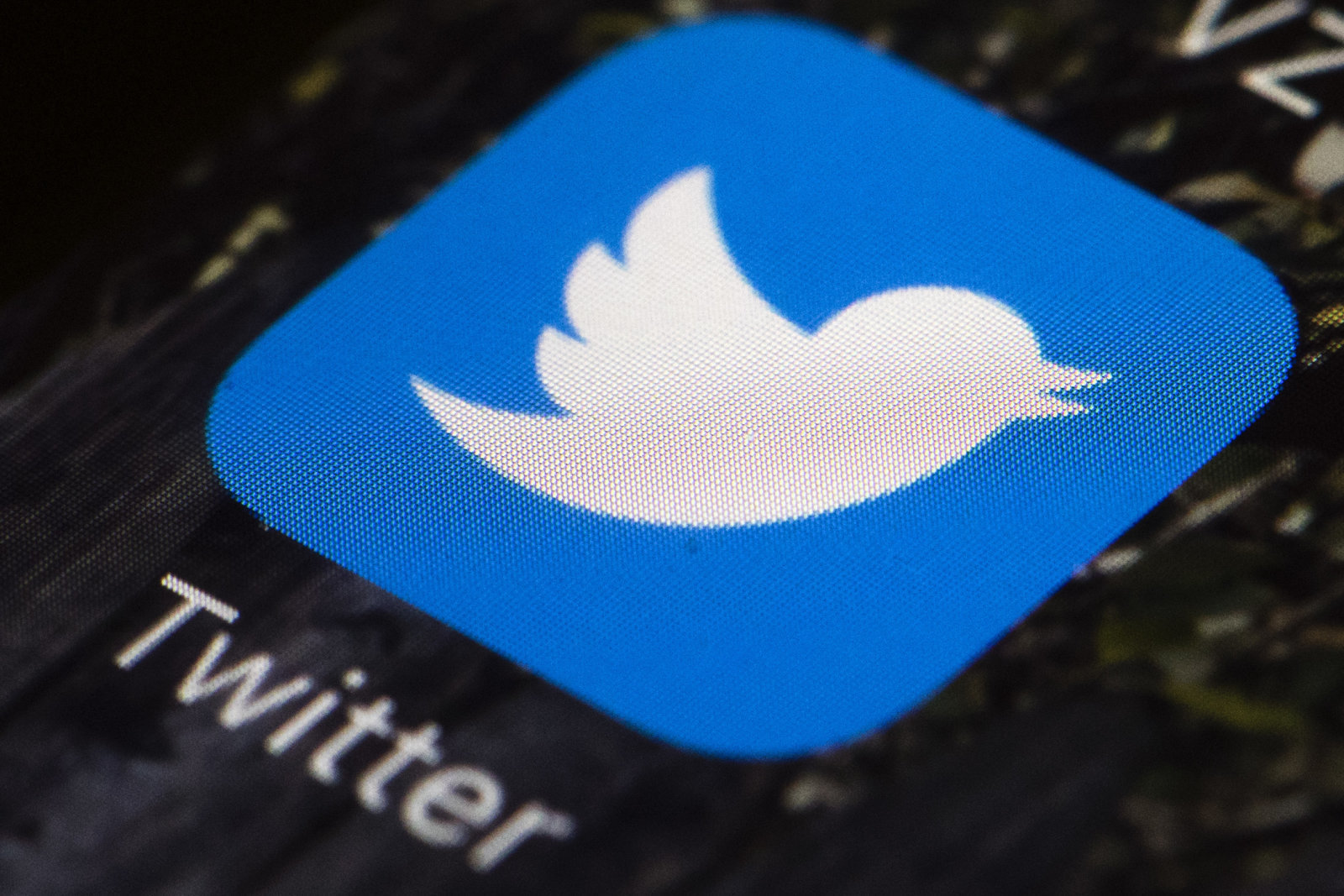 Twitter to allow users follow sports teams and K-pop