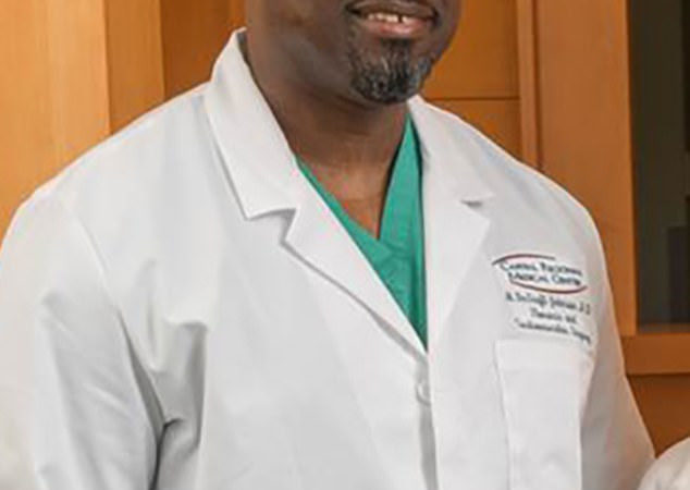 Florida surgeon Moses deGraft-Johnson accuse by US Prosecutors of stealing $26million from health insurers