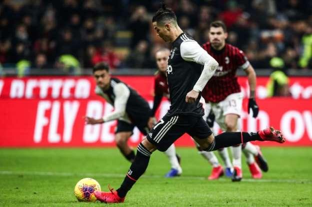 Cristiano Ronaldo penalty saves Juventus first-leg draw at Zlatan Ibrahimović's AC Milan