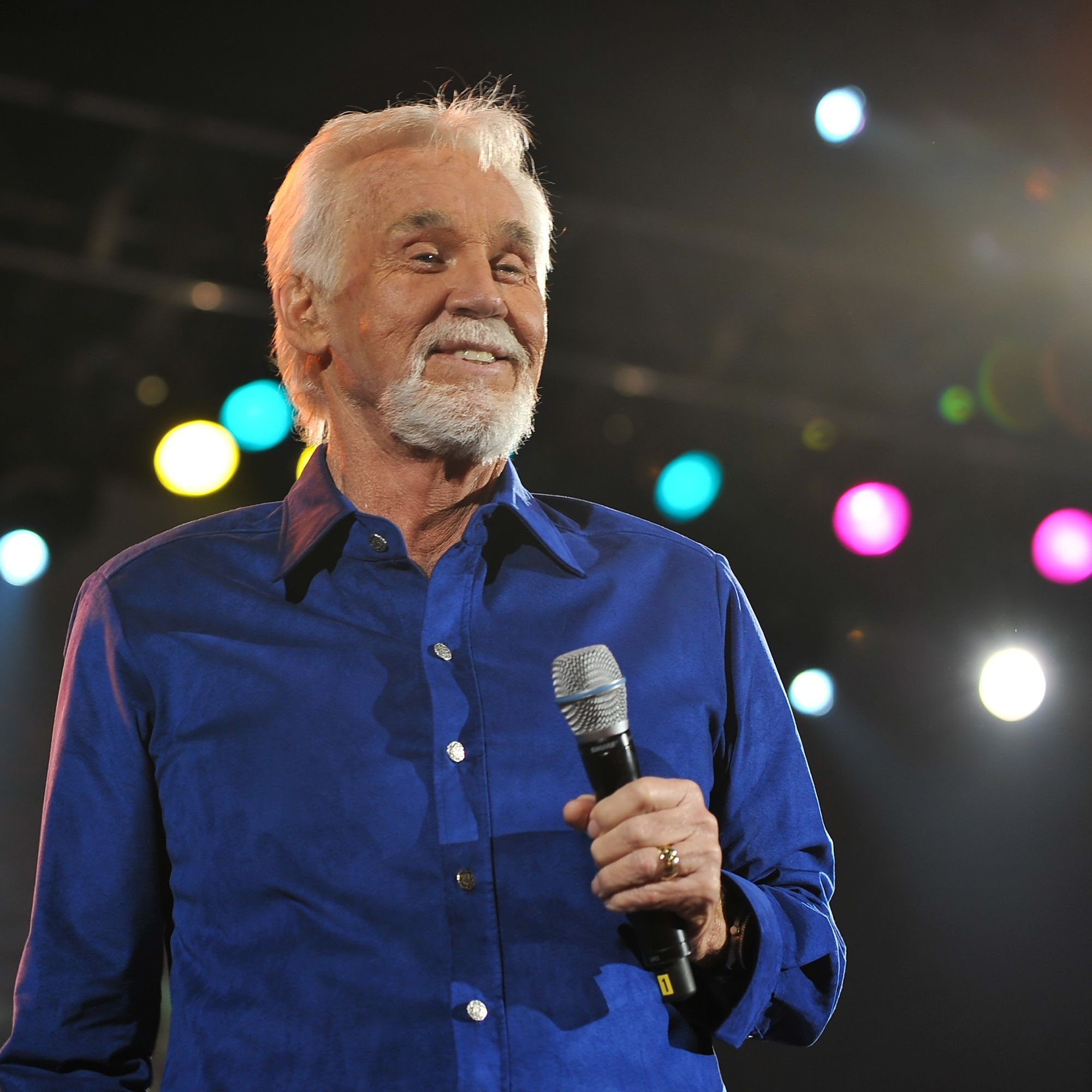 Country singer icon Kenny Rogers dies at 81