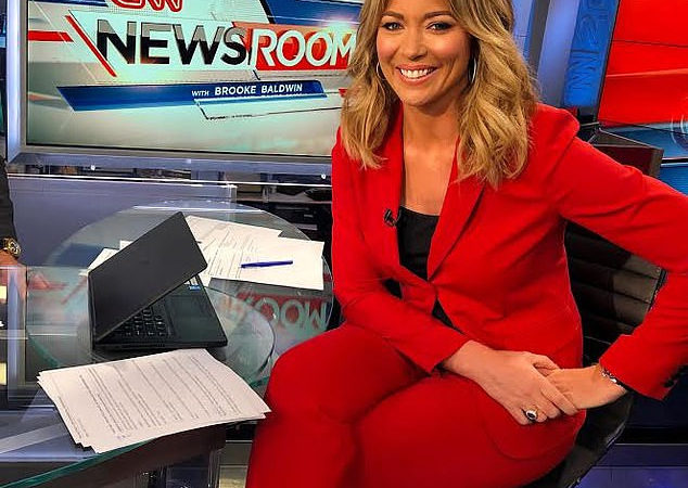 Brooke Baldwin: CNN anchor tests positive for COVID-19