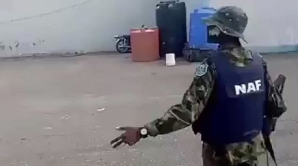 """Nigerian Airforce Personnel shows off his amazing """"leg work"""" dancing skills (Viral Video)"""
